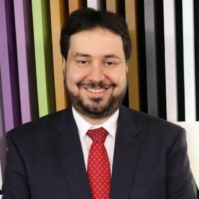 Dr. DANIEL FALCÃO