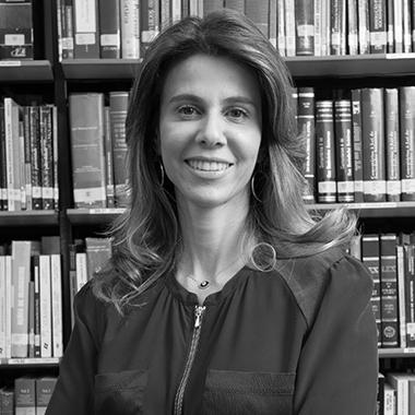 Dra. JULIANA CORDEIRO DE FARIA
